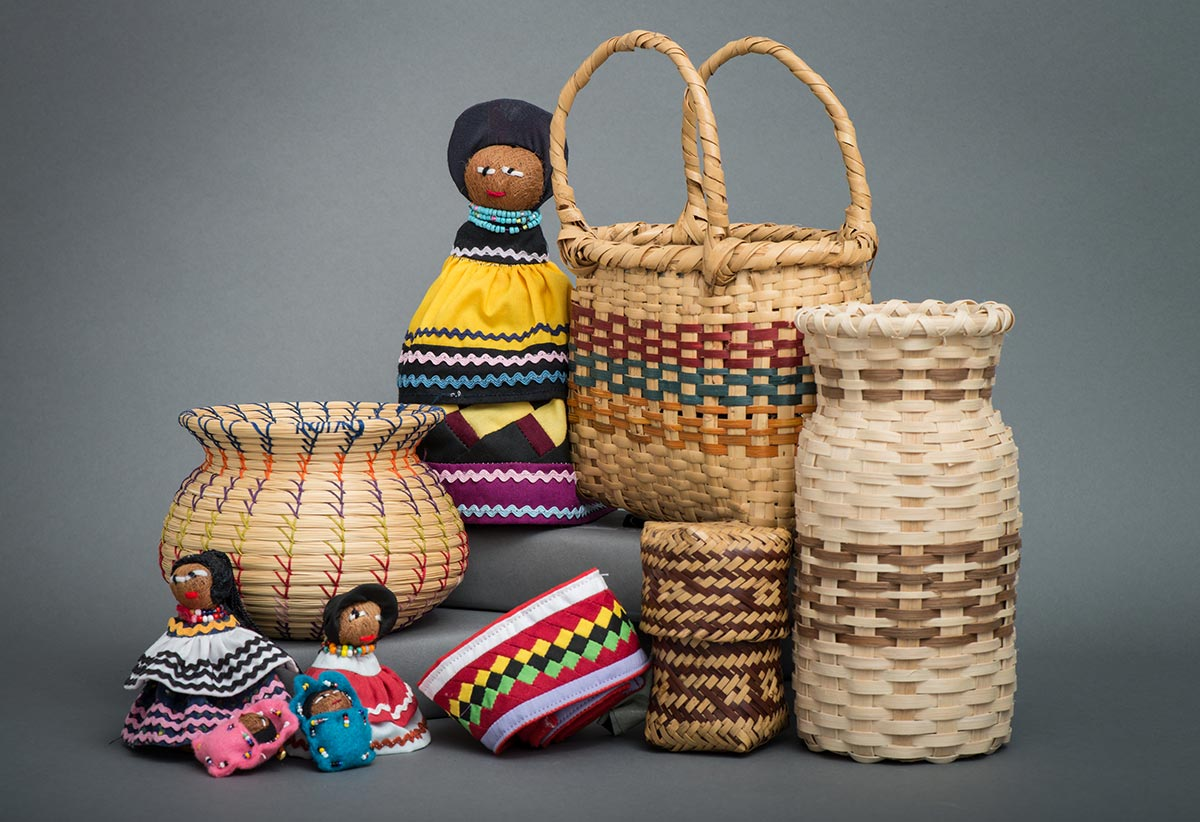 USET-dolls-and-baskets-1200