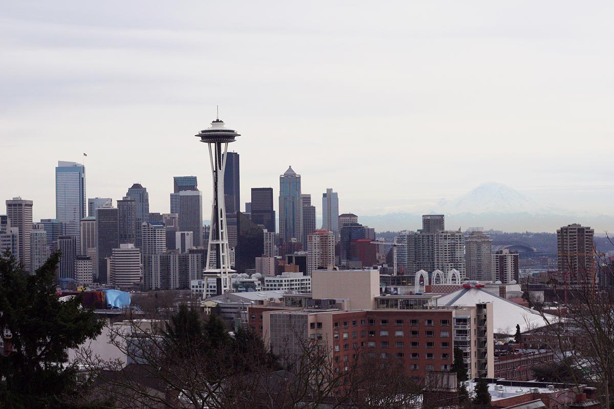 space-needle-and-mt-rainier-1200